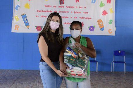 Distribuição de mais de 700 cestas básicas